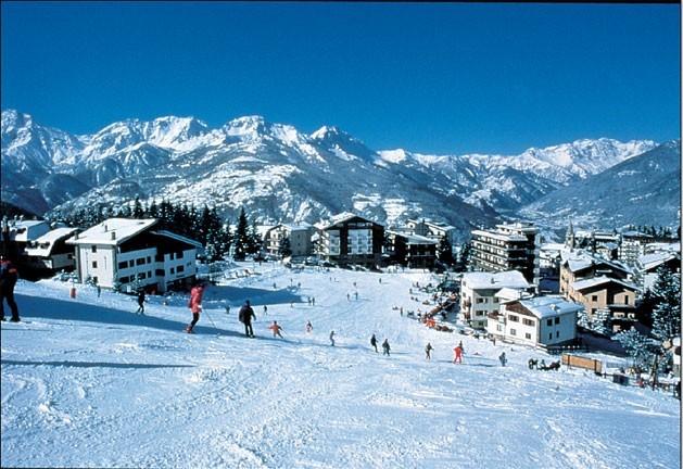 Sauze D'Oulx - Ski By Day, Party By Night