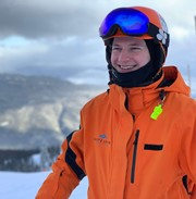 Become a ski instructor in Canada. Training and job included