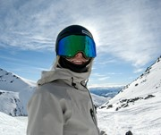 Work as a ski instructor in New Zealand. Training included.